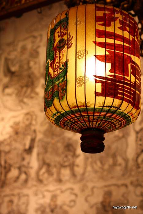 Khoo Kongsi - Drawing and lanterns in Leong San Tong