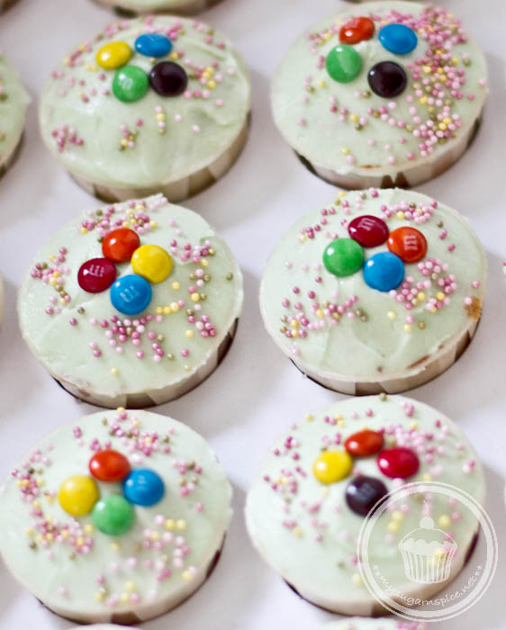 Cupcakes topped with M&Ms