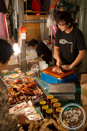 Cooked meat seller