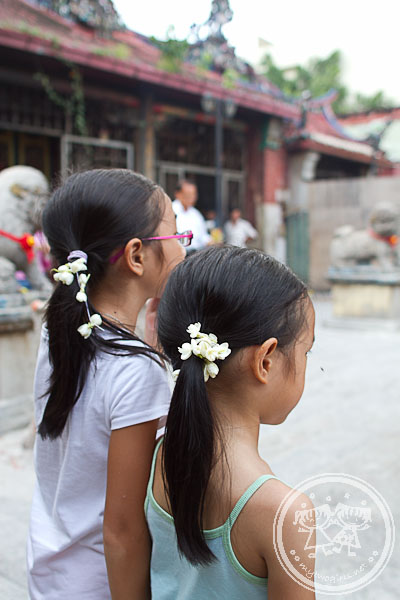 Girls in Kuan Yin Temple