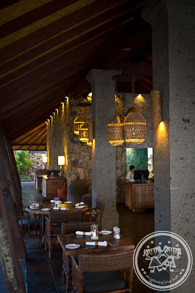 Jeeva Klui Restaurant in the evening