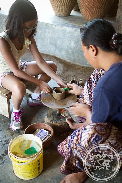 Pottery making at Banyumulek - Zara