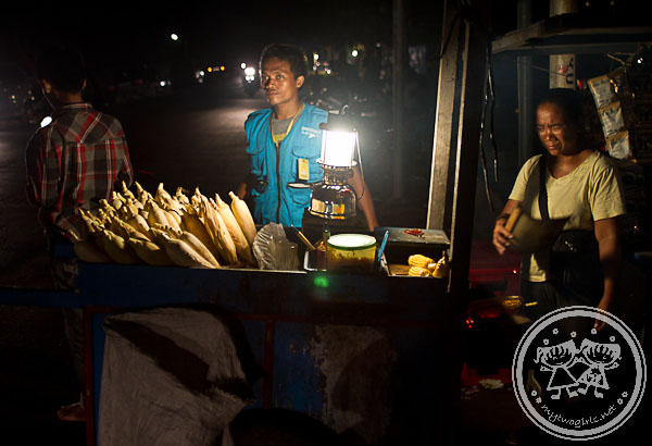 BBQ Corn Hawker At Senggigi
