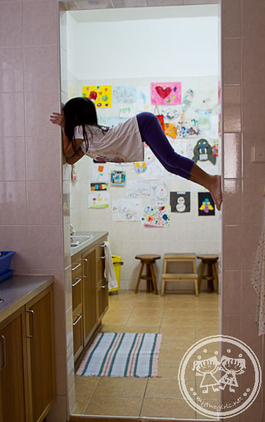 Zaria climbing door frame